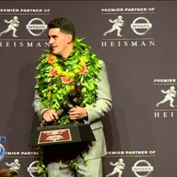 Former UH quarterbacks coach praises Mariota's demeanor on and off field
