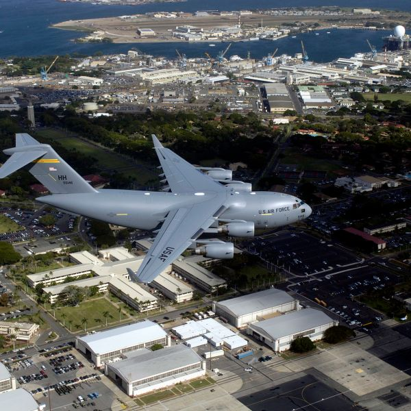 154th_Wing_C-17_Globemaster_III_flying_over_Hickam_Air_Force_Base_81610