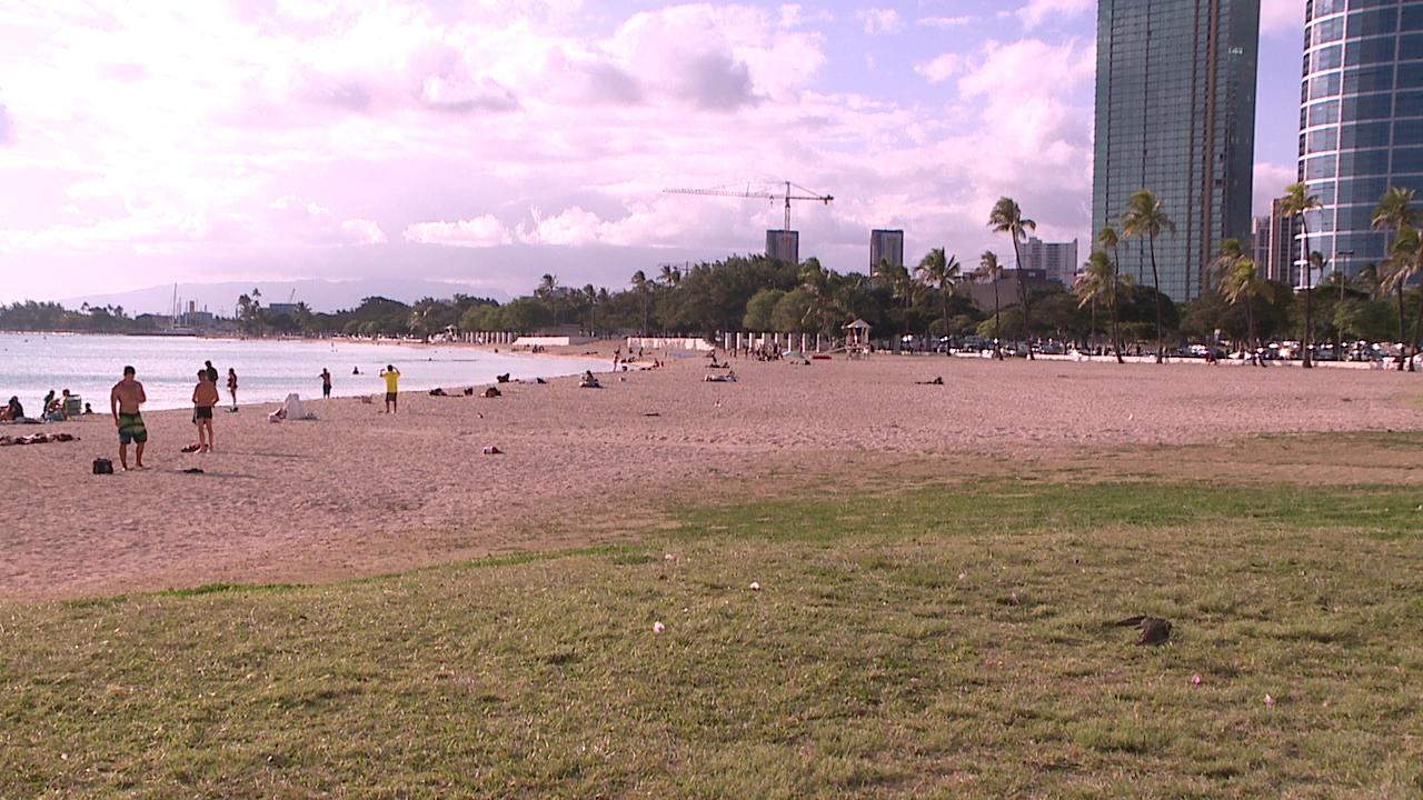 3-19 ala moana beach park_84529