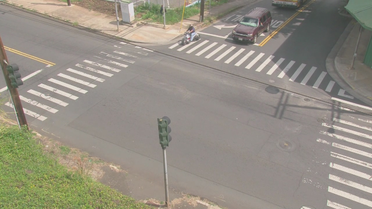 Ask HPD: Is it illegal to park within T-type intersection?
