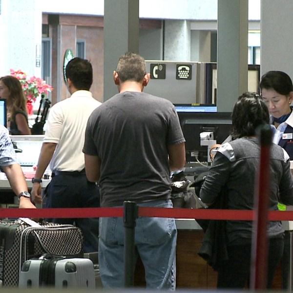 honolulu international airport travelers screening_75439