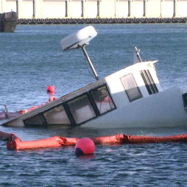 4-9 sinking boat_88244