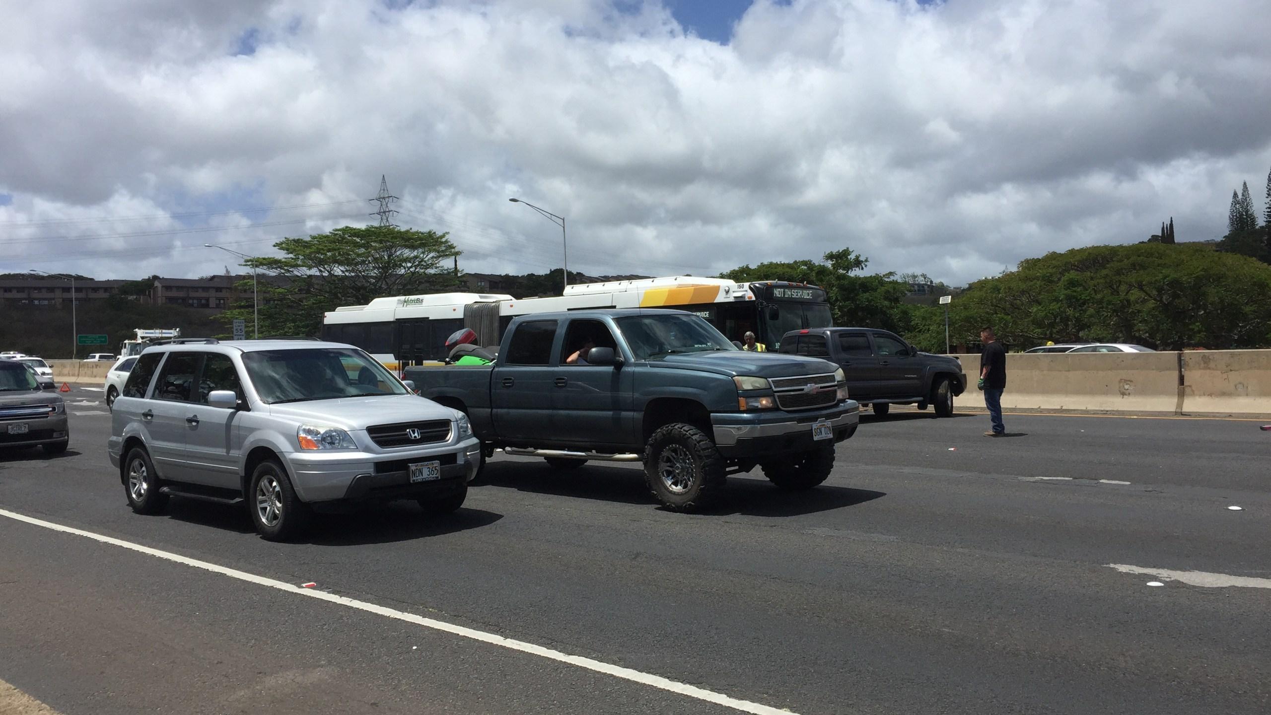 H-1 kaahumanu accident-1_89752