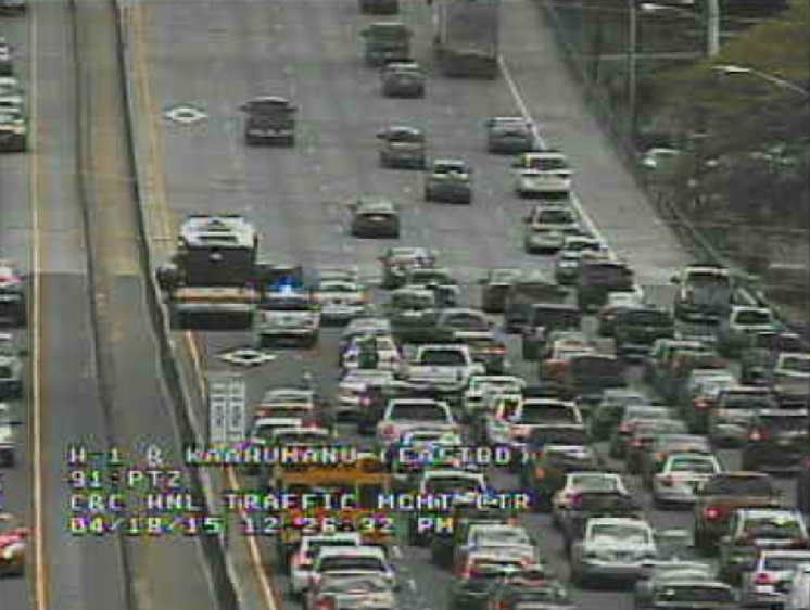 2nd accident on H-1 Freeway affects traffic going eastbound
