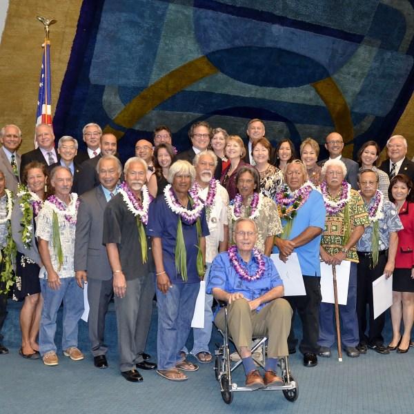 Hokulea crew honored state senate_87488