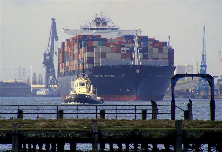 PHOTO: Houston Express container ship arriving at Hamburg, Germany (Photo courtesy marinetraffic.com/Gillian Moy)