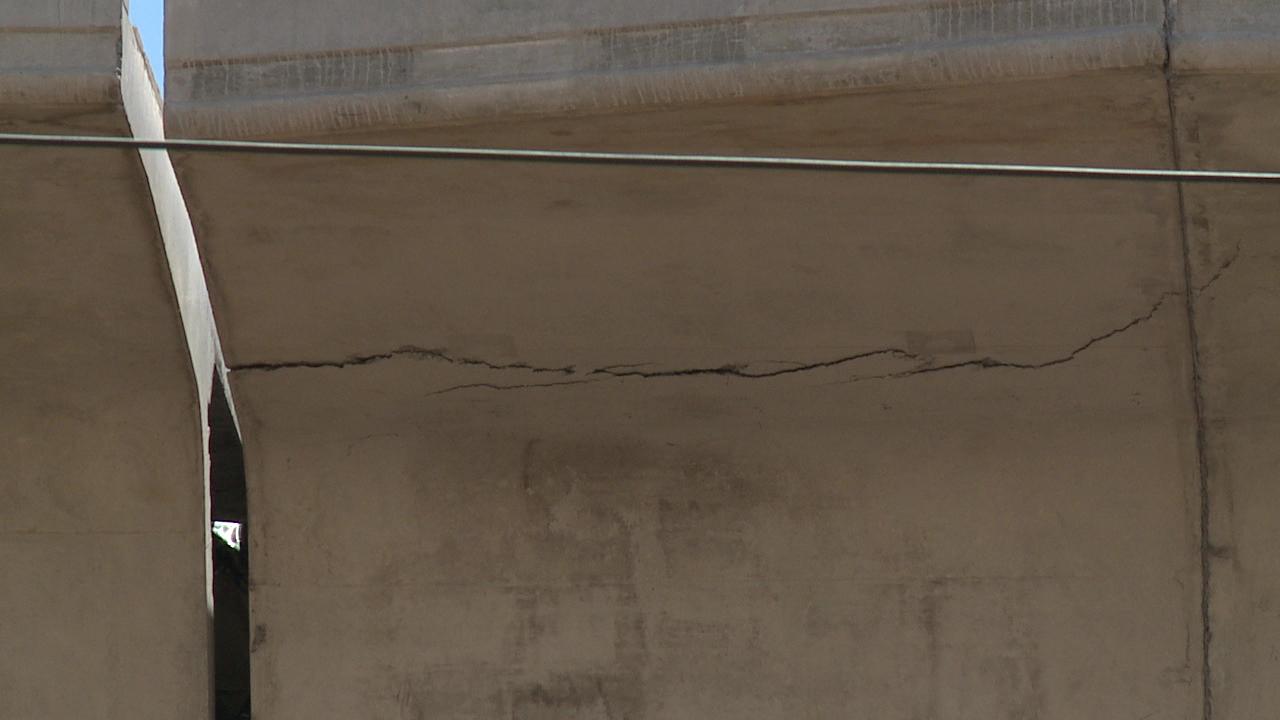 rail segment crack_89432
