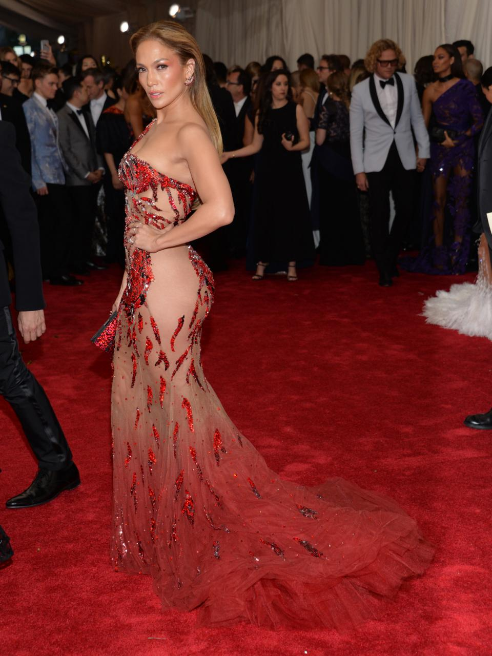 "Jennifer Lopez arrives at The Metropolitan Museum of Art's Costume Institute benefit gala celebrating ""China: Through the Looking Glass"" on Monday, May 4, 2015, in New York. (Photo by Evan Agostini/Invision/AP)"