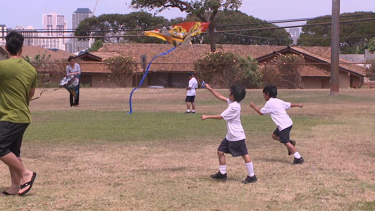 st andrews priory kite flying_93041