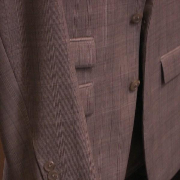 6-25 suit_102051