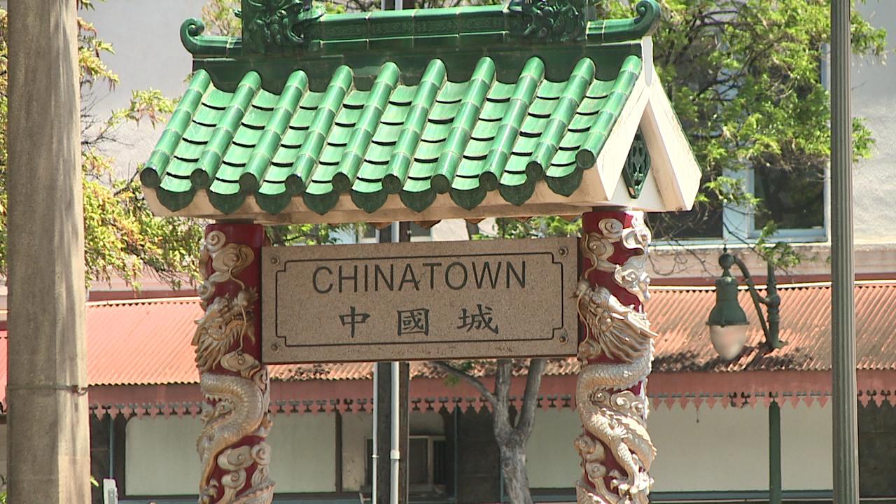 chinatown gate_102326