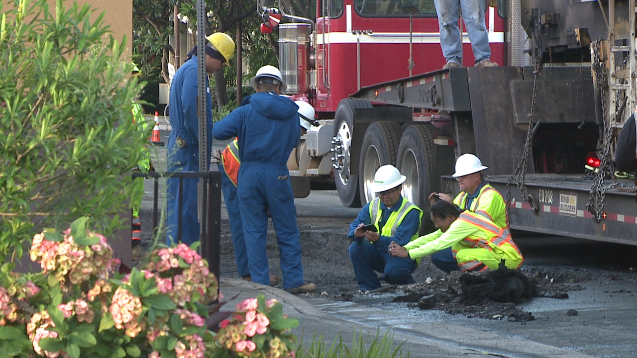 kapahulu gas line repair_100427
