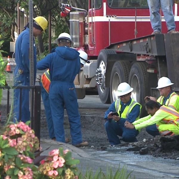 kapahulu gas line repair_100427