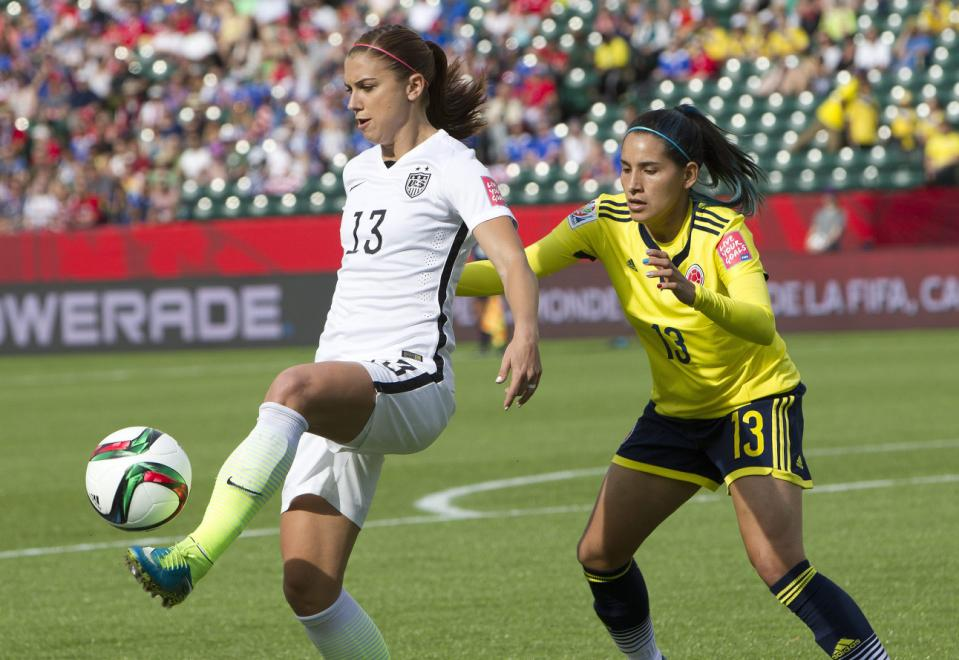Alex Morgan, Angela Clavijo_101372