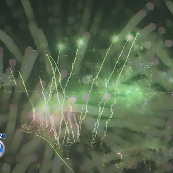 Fourth of July fireworks show dazzles at Ala Moana