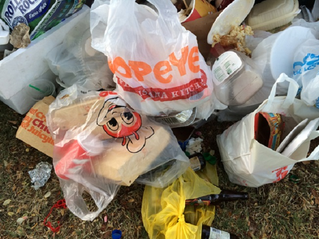 ala moana plastic bag trash beach_104129