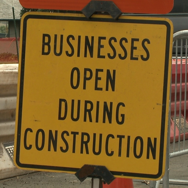 businesses open during construction rail sign_105239