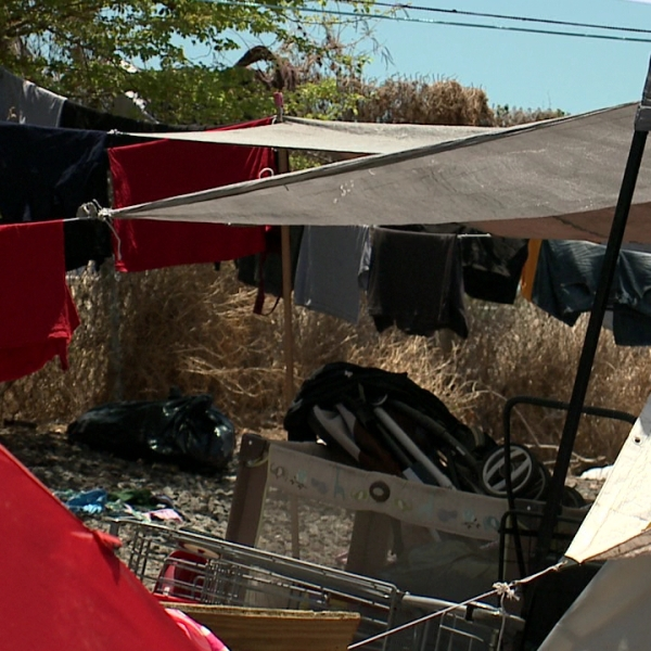 homeless tents_104305