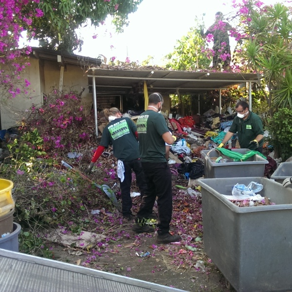 kaimuki hoarder house cleanup_106355