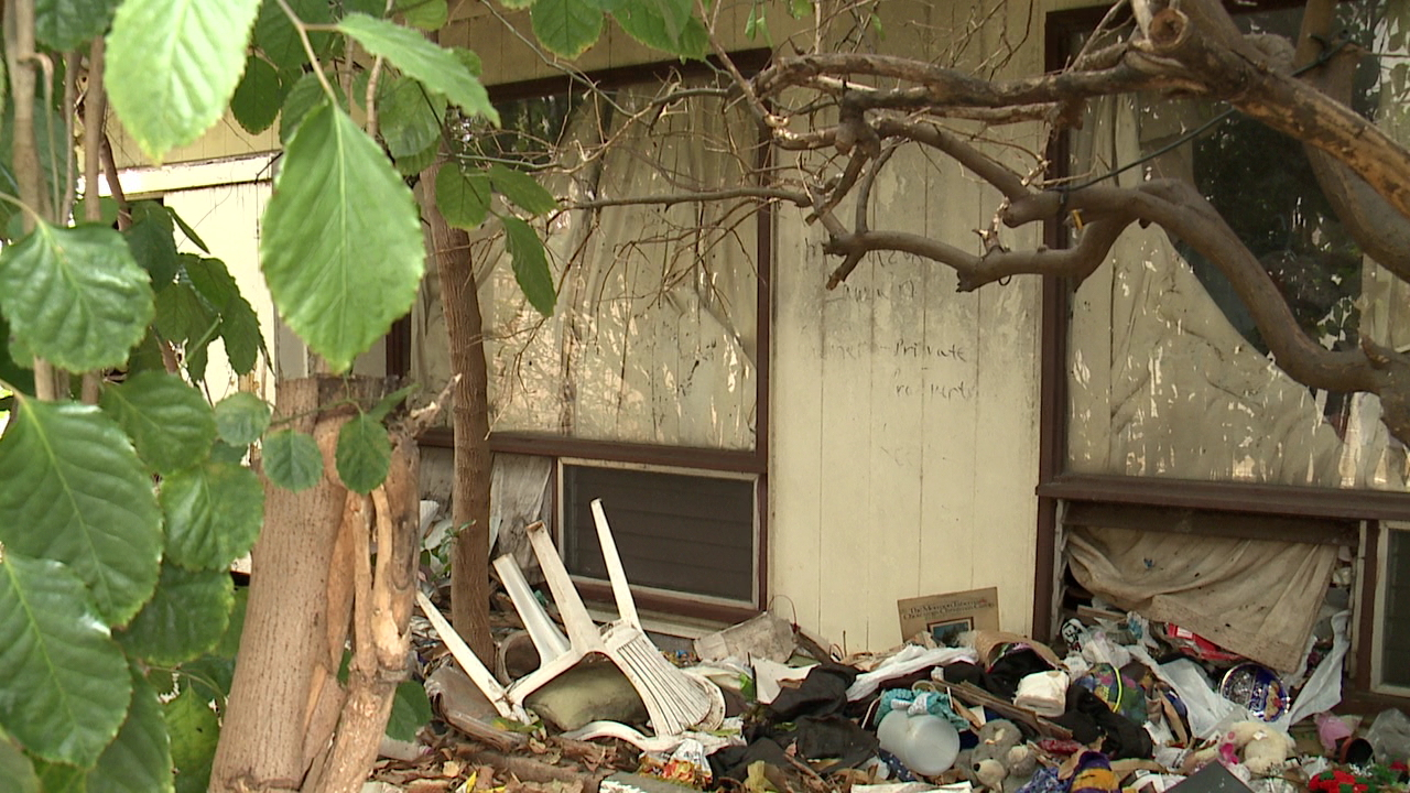 kaimuki neglected house_103944