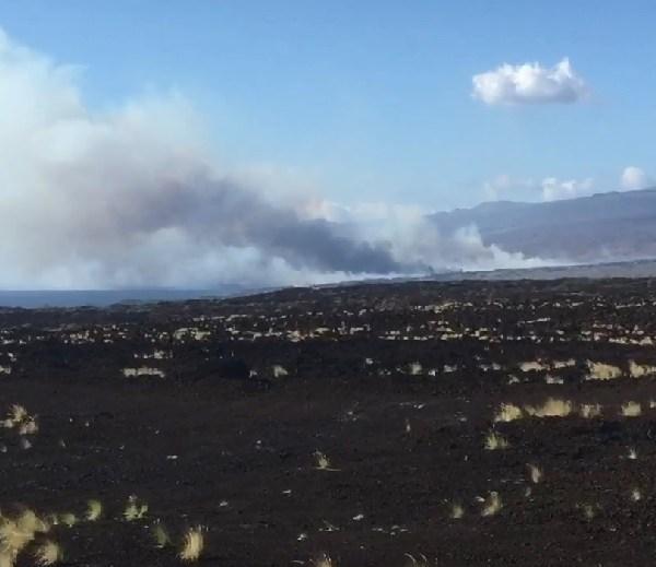 kawaihae road brush fire-1_109886