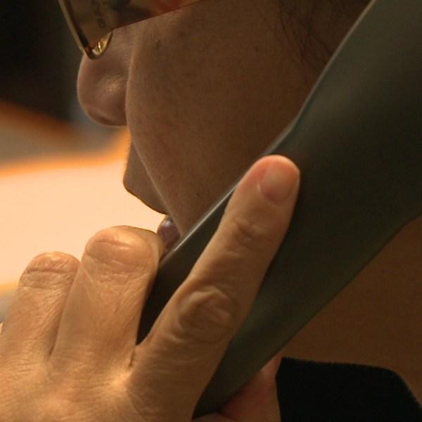 generic phone call_123044