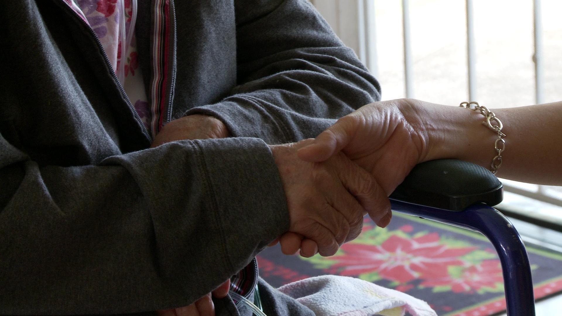 elderhood elderly caregiver_75241