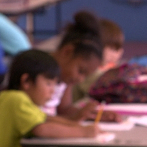 elementary students blurred_129661