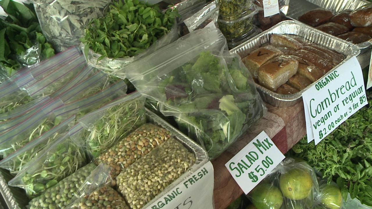 hilo farmers market salad experience_127056