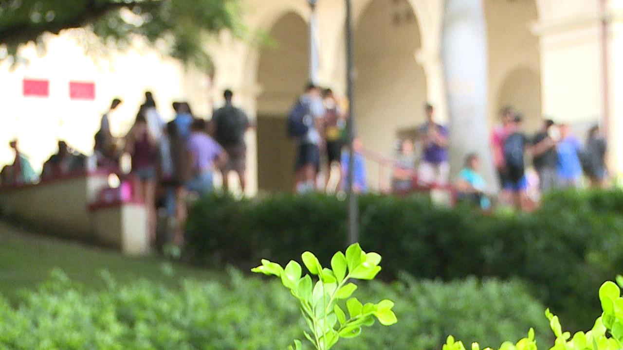 student campus blur generic_129224