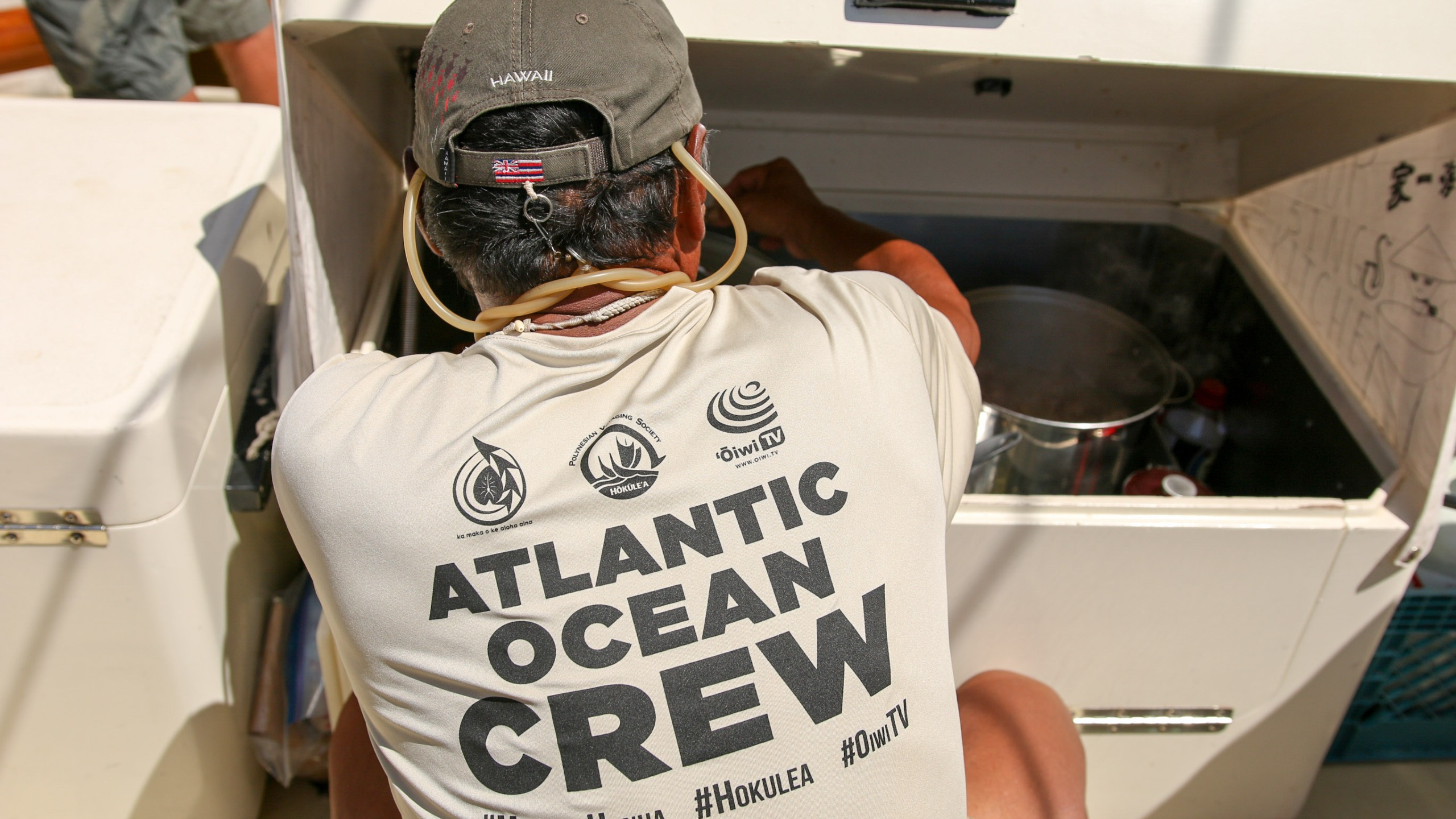 ATLANTIC OCEAN CREW_135756