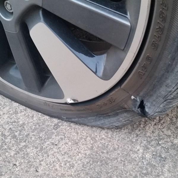 flat tires H-1-2_135820