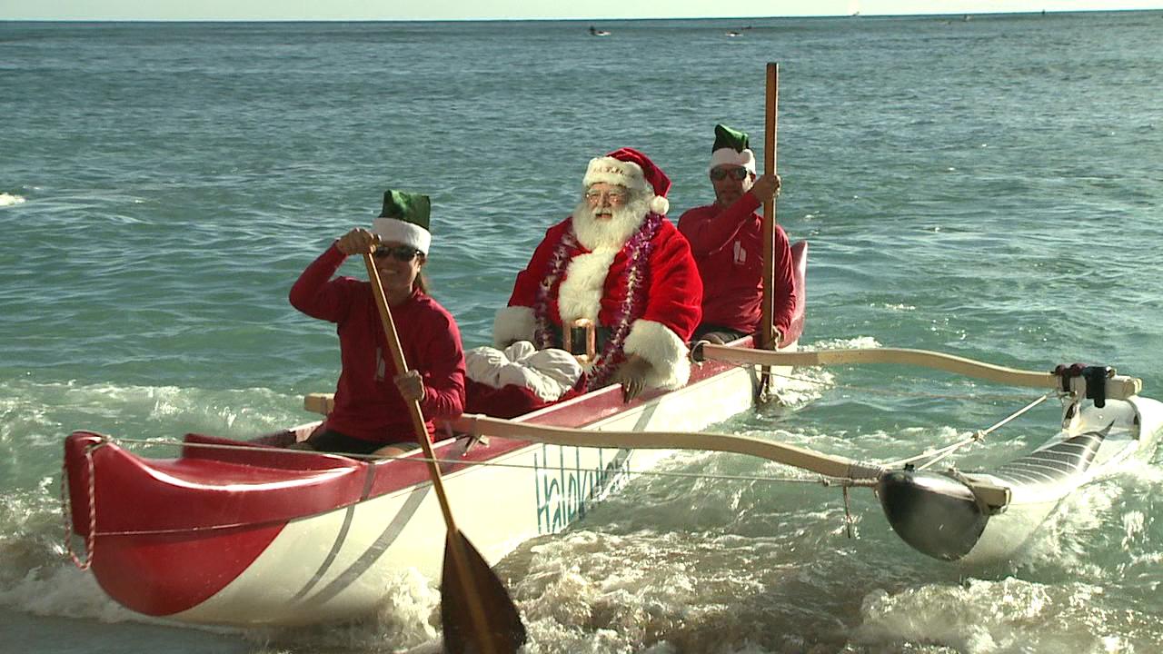 santa arrives by canoe_135537