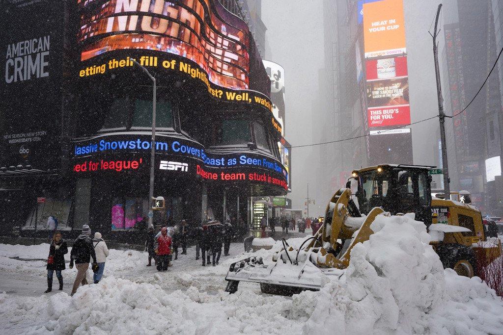 Big-Snowstorm-New-Yor_Byun-1024x683_139786