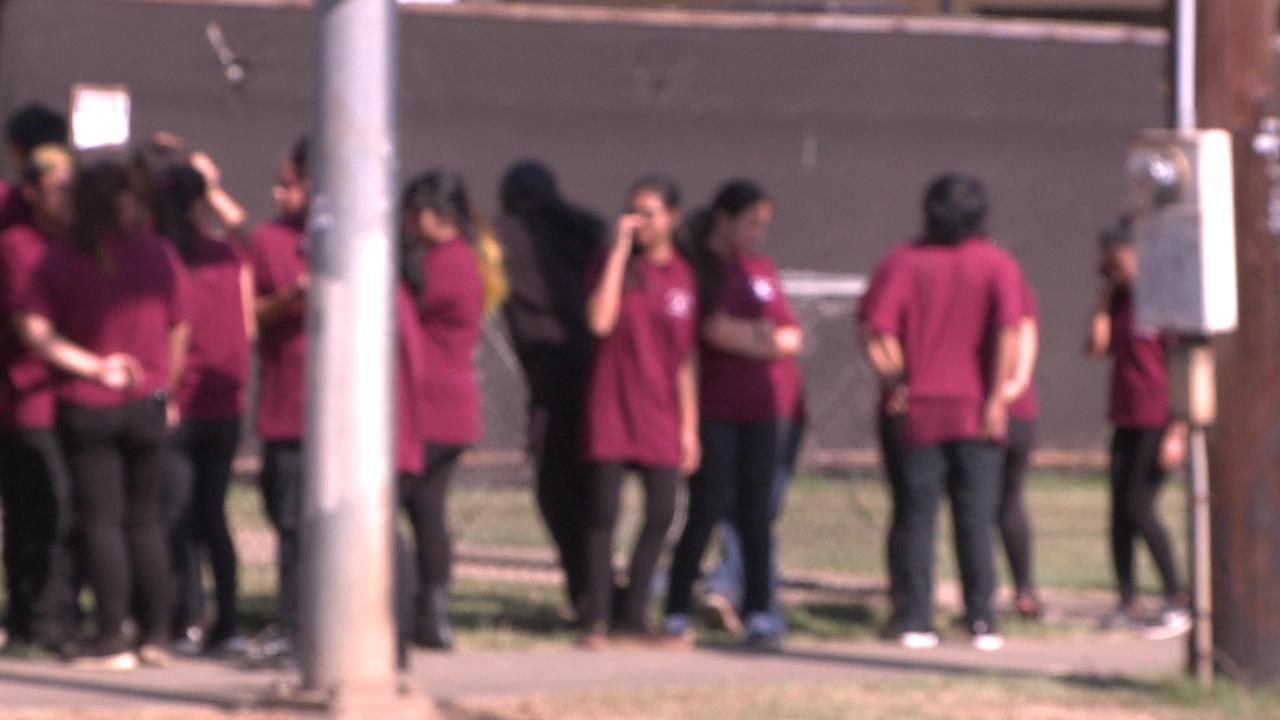 farrington high school blurry students evacuation_140640