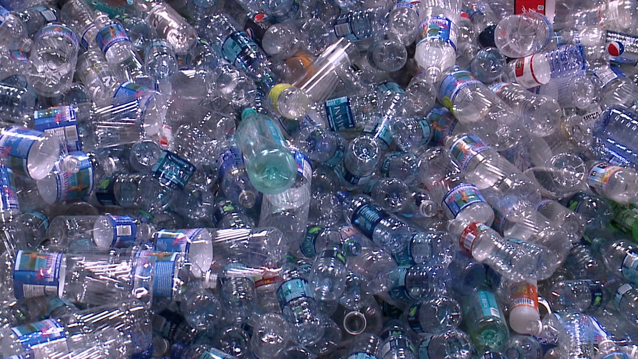 recycled bottles beverage containers_139737