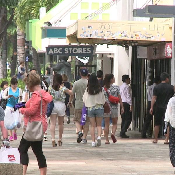 waikiki tourists_76909