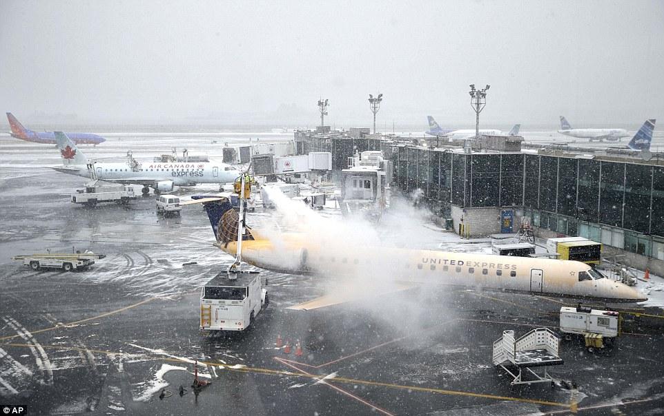 winter weather New York airport_139676
