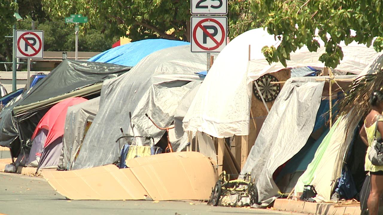 8-31 homeless_114837