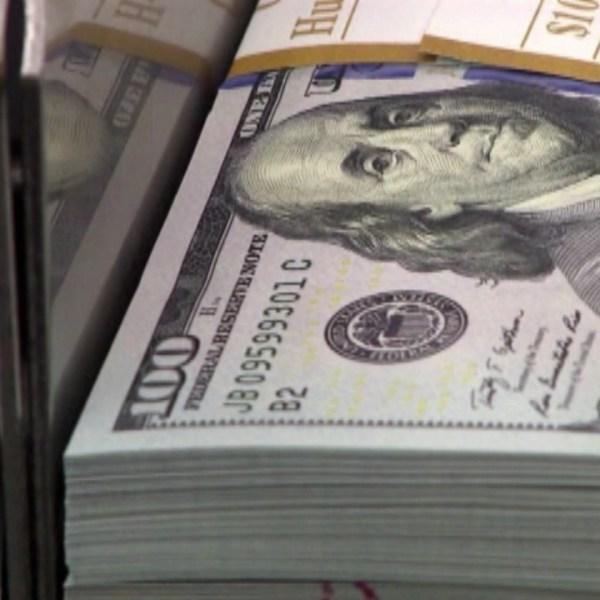 money generic hundred bills_100623