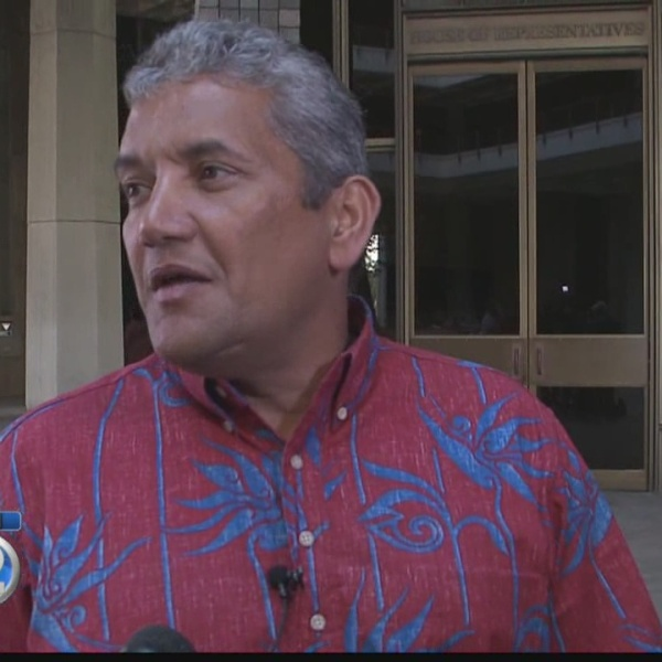Hawaii Mayor Billy Kenoi indicted on charges of theft, tampering, false swearing