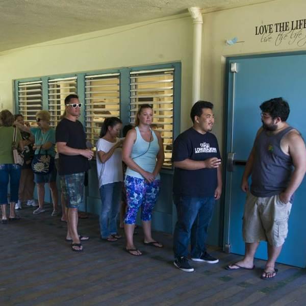 democratic hawaii poll voters line_149706