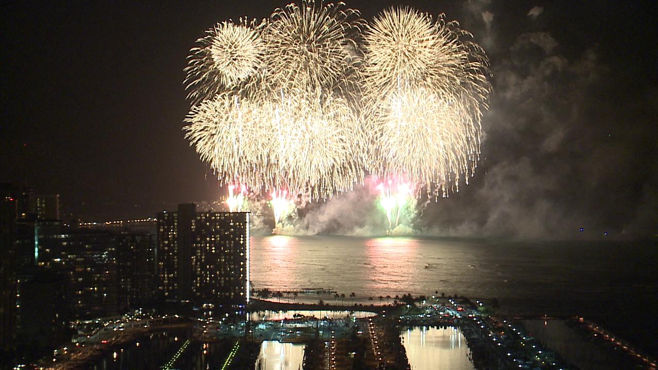 Honolulu Festival Fireworks (1)_147534
