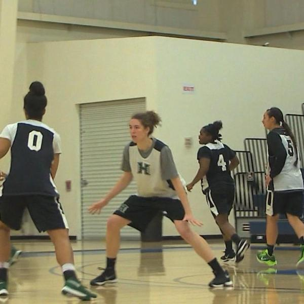 WAHINE HOOPS BWT PREVIEW-VO-1_147160