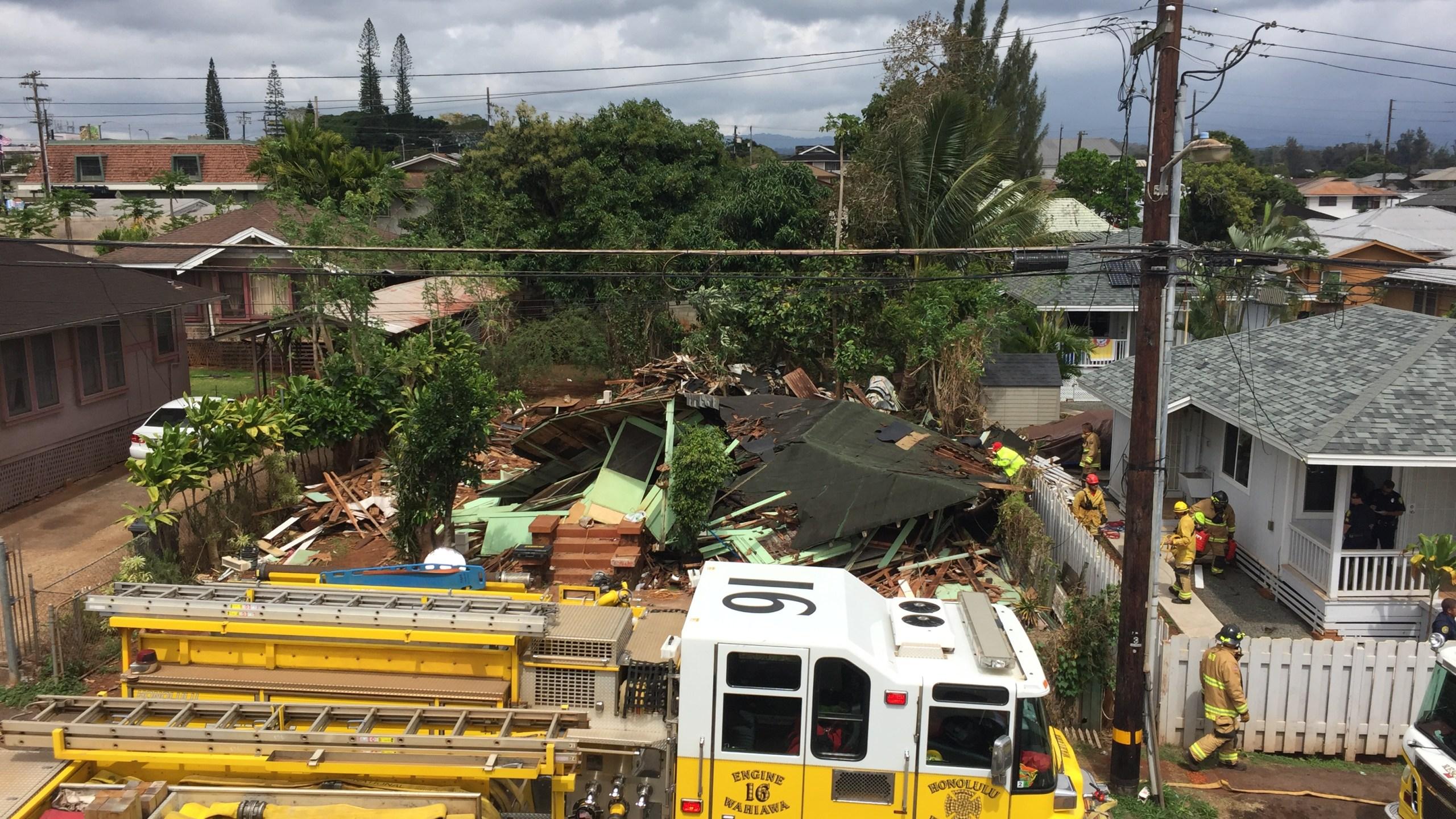 wahiawa collapsed house 2_151105