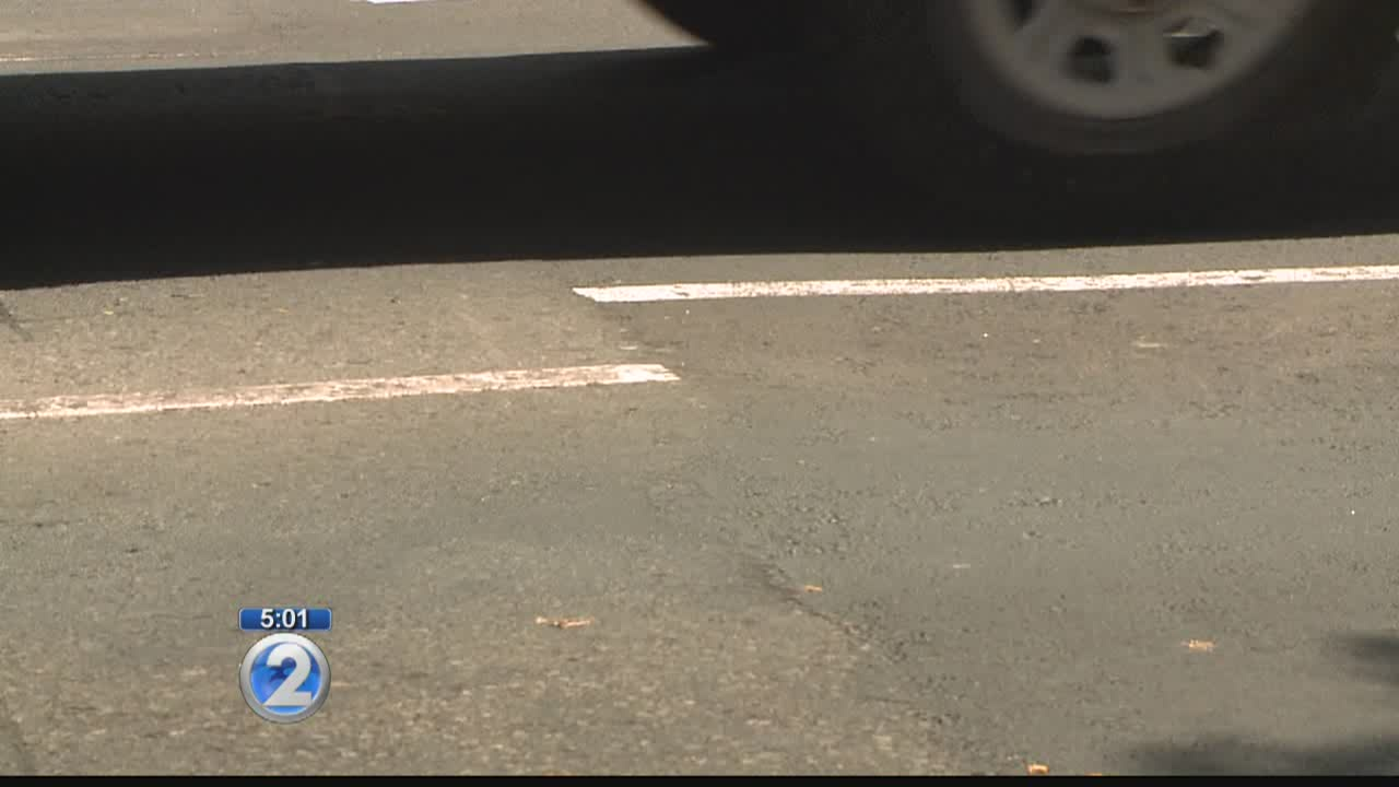 Crooked lines confuse drivers on Beretania Street