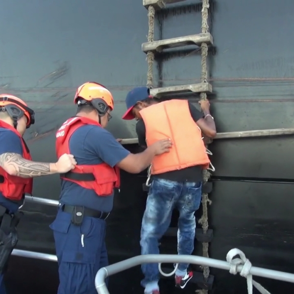 coast guard colombian boater rescue_155757