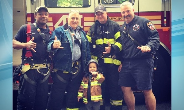 trucker with ny firefighters_157438
