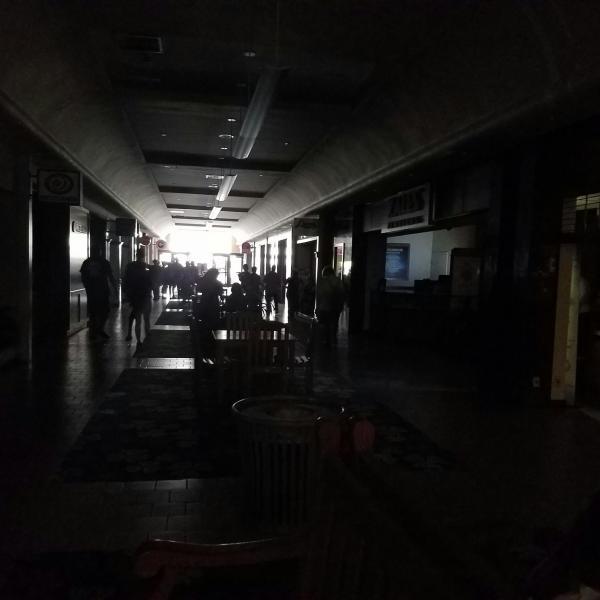 Kahala Mall outage Clint Kaneshiro 3_161259