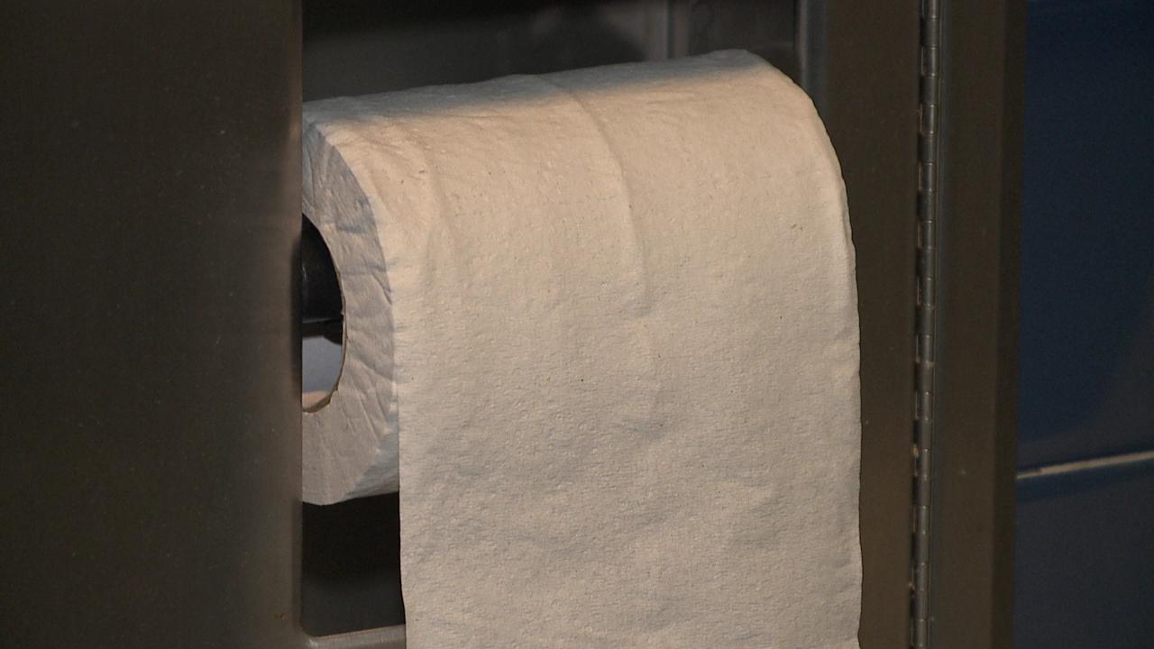 toilet paper_160103